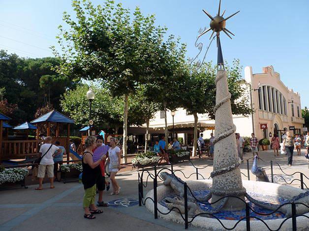 Roca Village fountain
