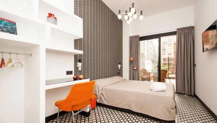 retrome bedroom balcony
