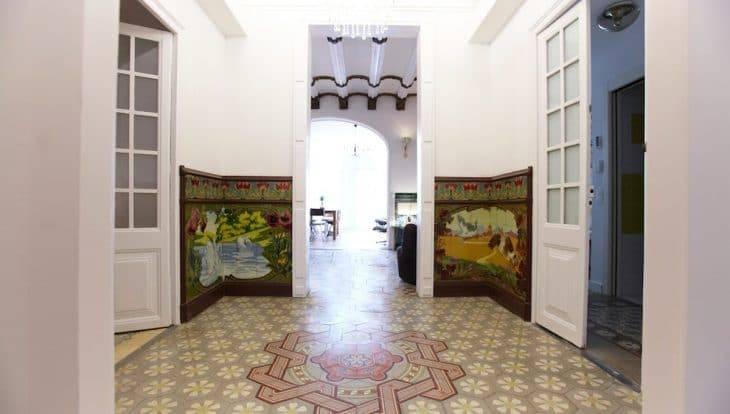 Retrome corridor