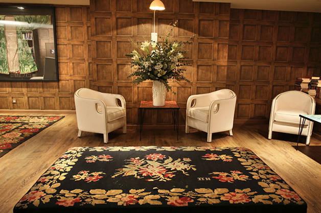 ofelias hotel lounge