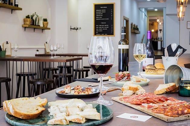Amovino wine and food