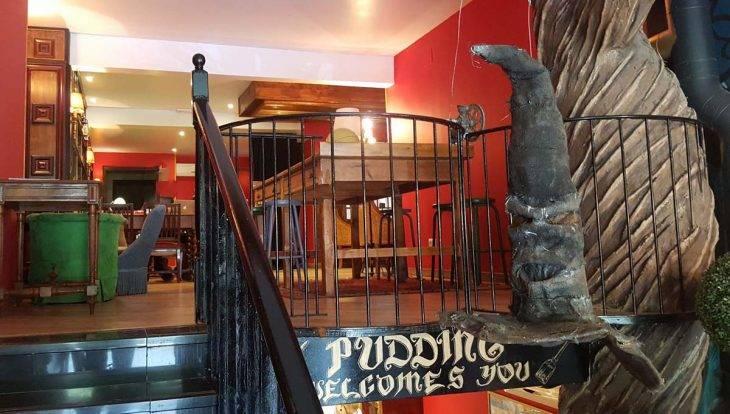 cafe harry potter entrance