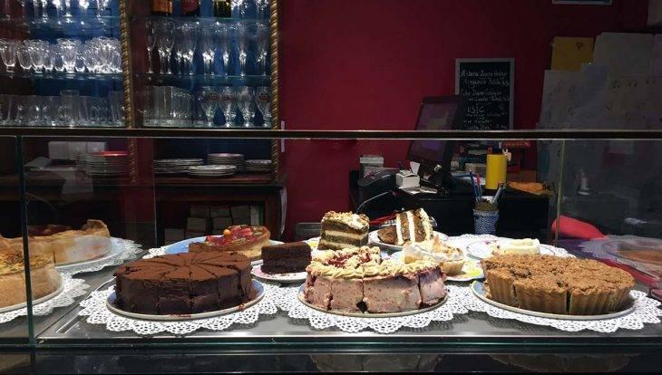 cafe harry potter cake