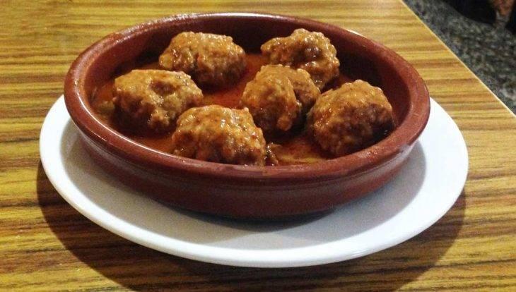 Casa López meatballs