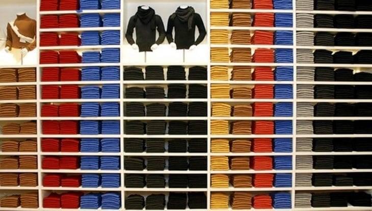 Uniqlo display shelves