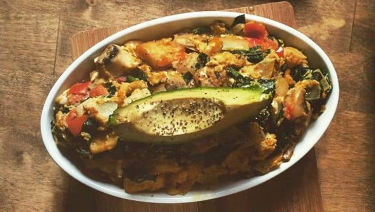Brunch Avenue, vegetable dish with avocado