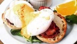 brunch Avenue eggs benedict