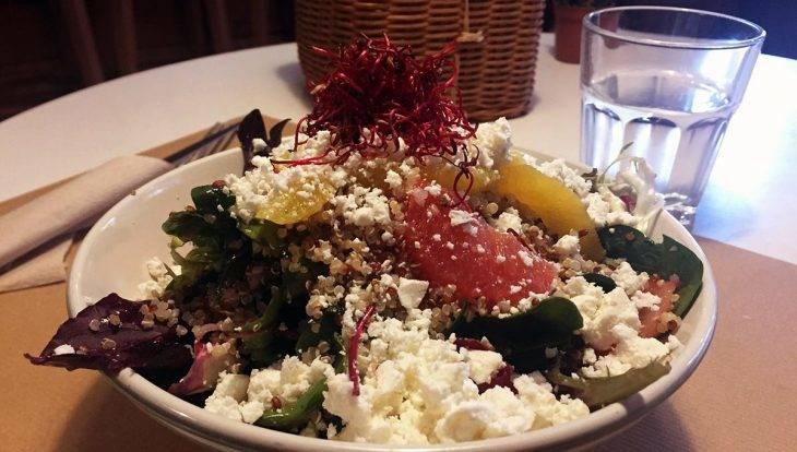 mostassa quinoa salad