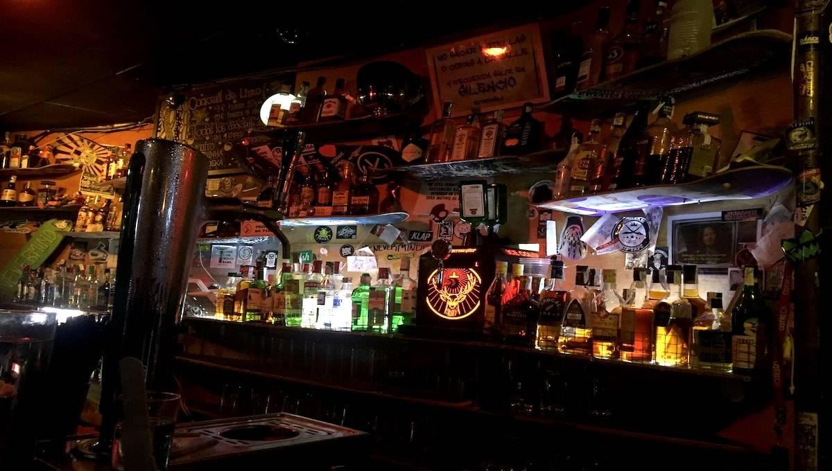 cocktails: bar Nevermind