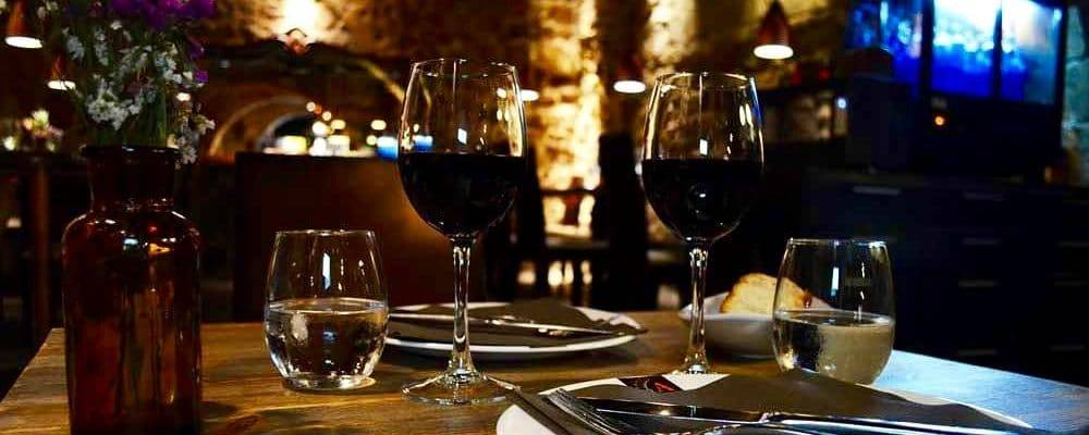 Romantic restaurant in Barcelona: fall in love with the Old Town!
