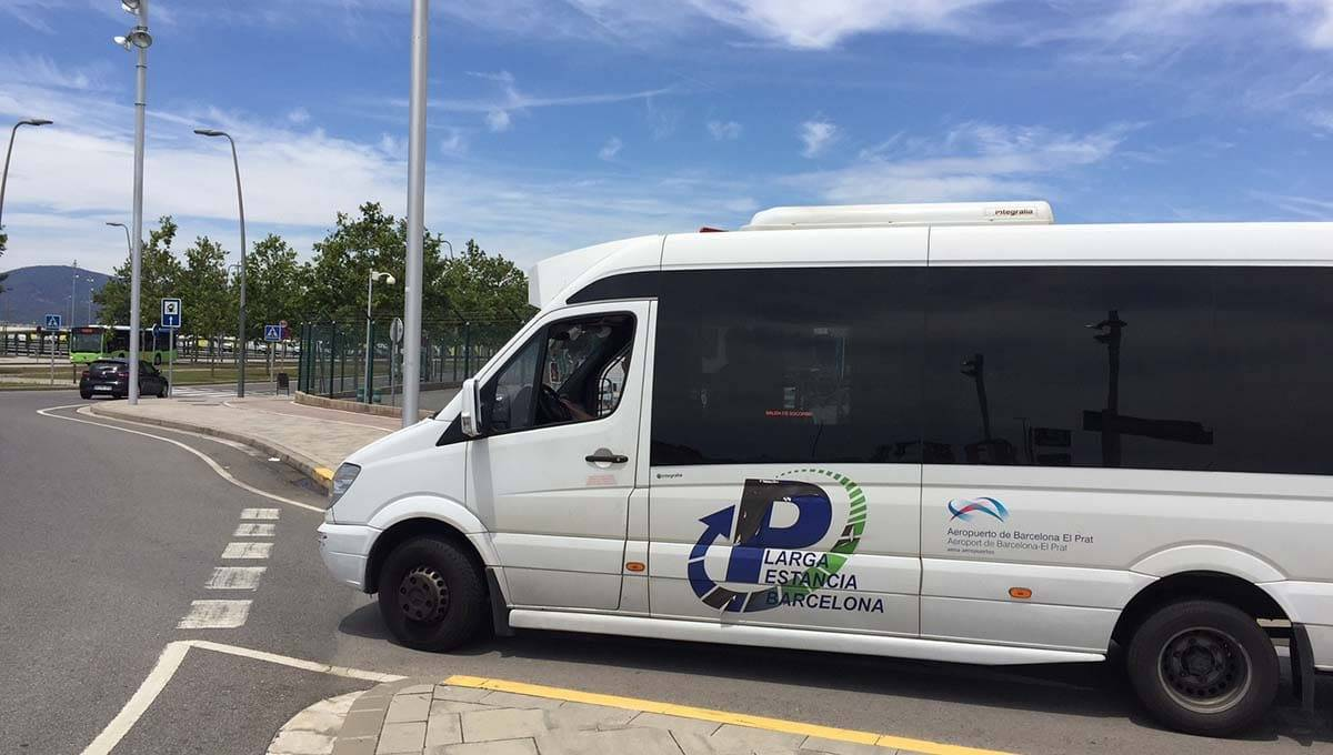Barcelona airport long stay parking shuttle bus