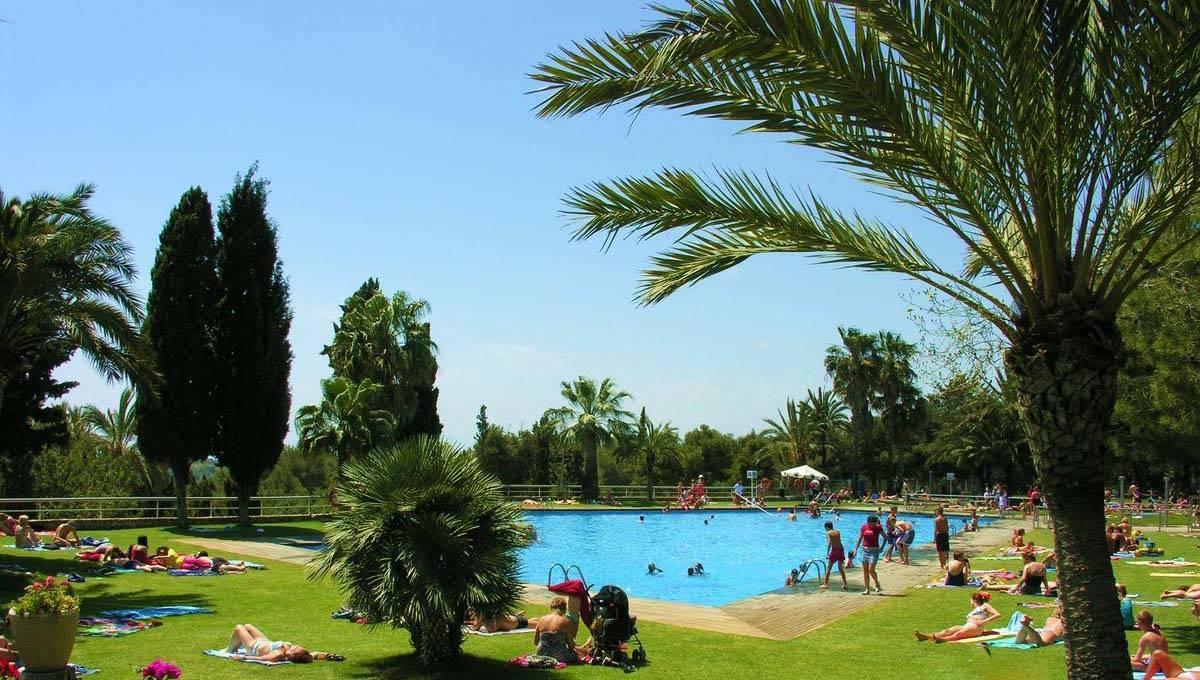 Camping near Barcelona Vilanova Park pool
